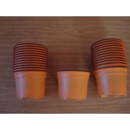25 pots de 9 cm de couleur orange